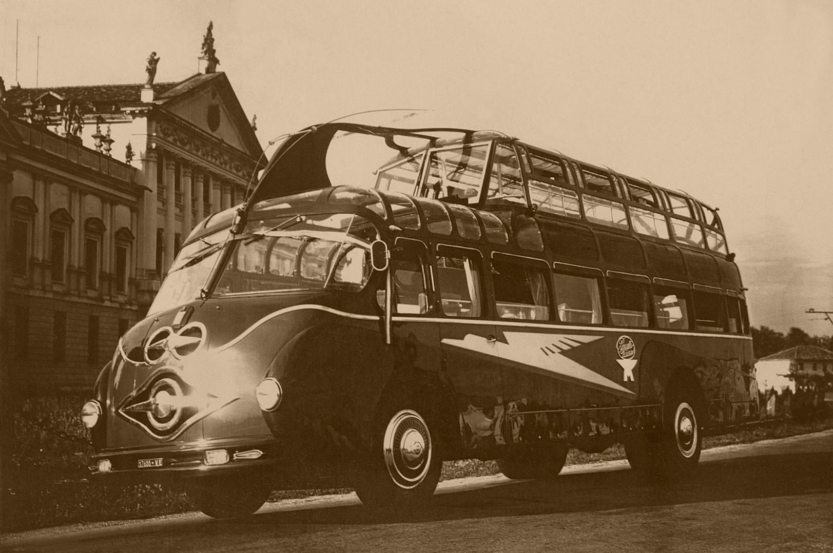 Brusutti bus a due piani